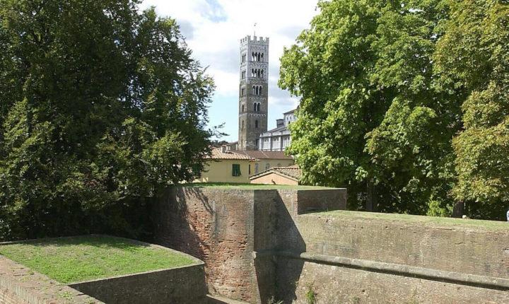 campanile duomo lucca